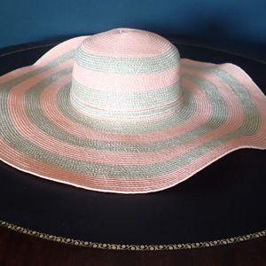 Juicy Couture wide brim beach hat - Gold and Melon